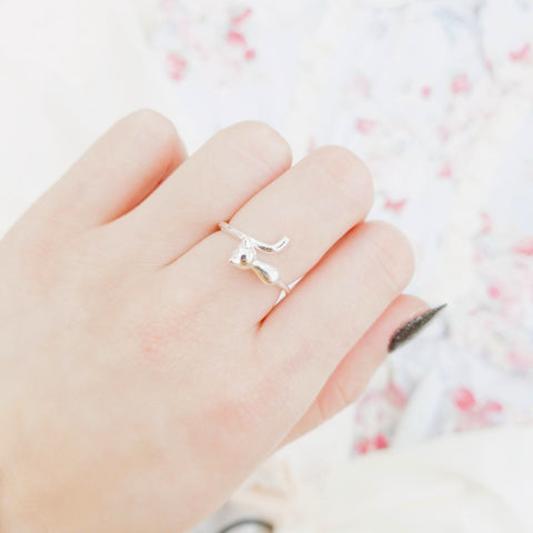 Chasing Tail Cat Ring