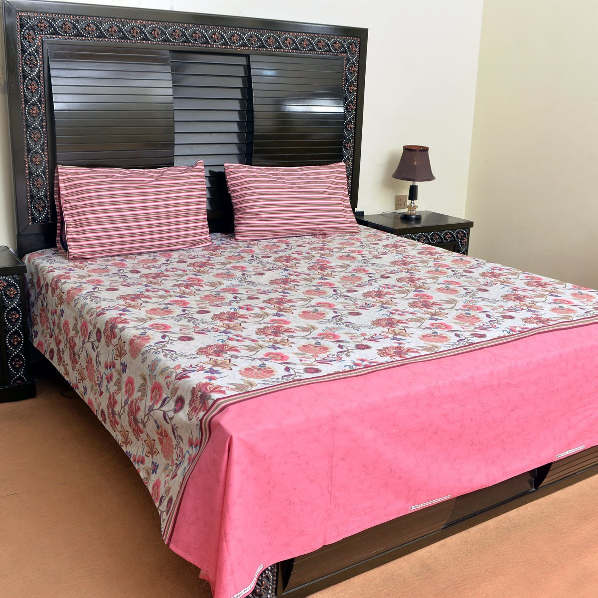 Pink Floral cotton bed sheet with 2 pillow cases - waseeh.com