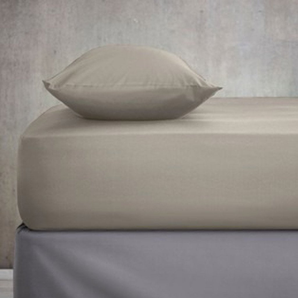 Fitted Sheet with 2 Pillow Covers - Grayish Brown - waseeh.com