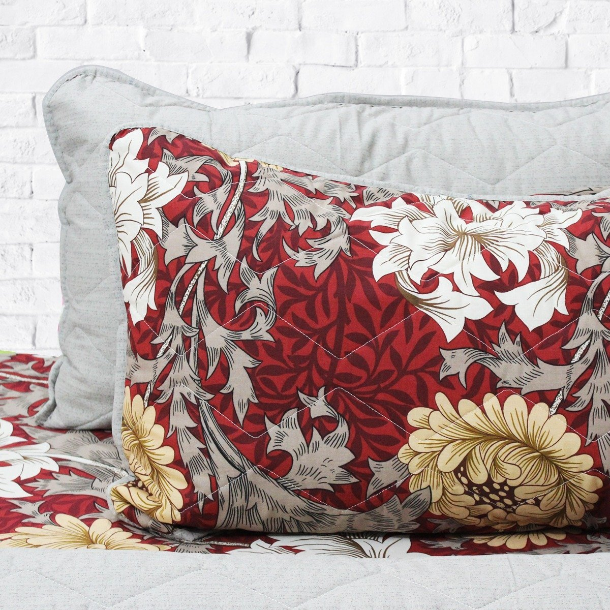 White roses over wine red floral spread - 6 pieces bed spread set - waseeh.com