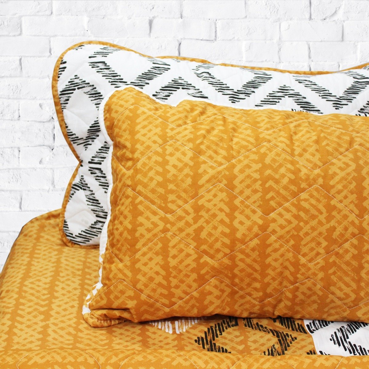 Yellow Fellow - Export Quality Bed Spread Set - 6 pc - waseeh.com