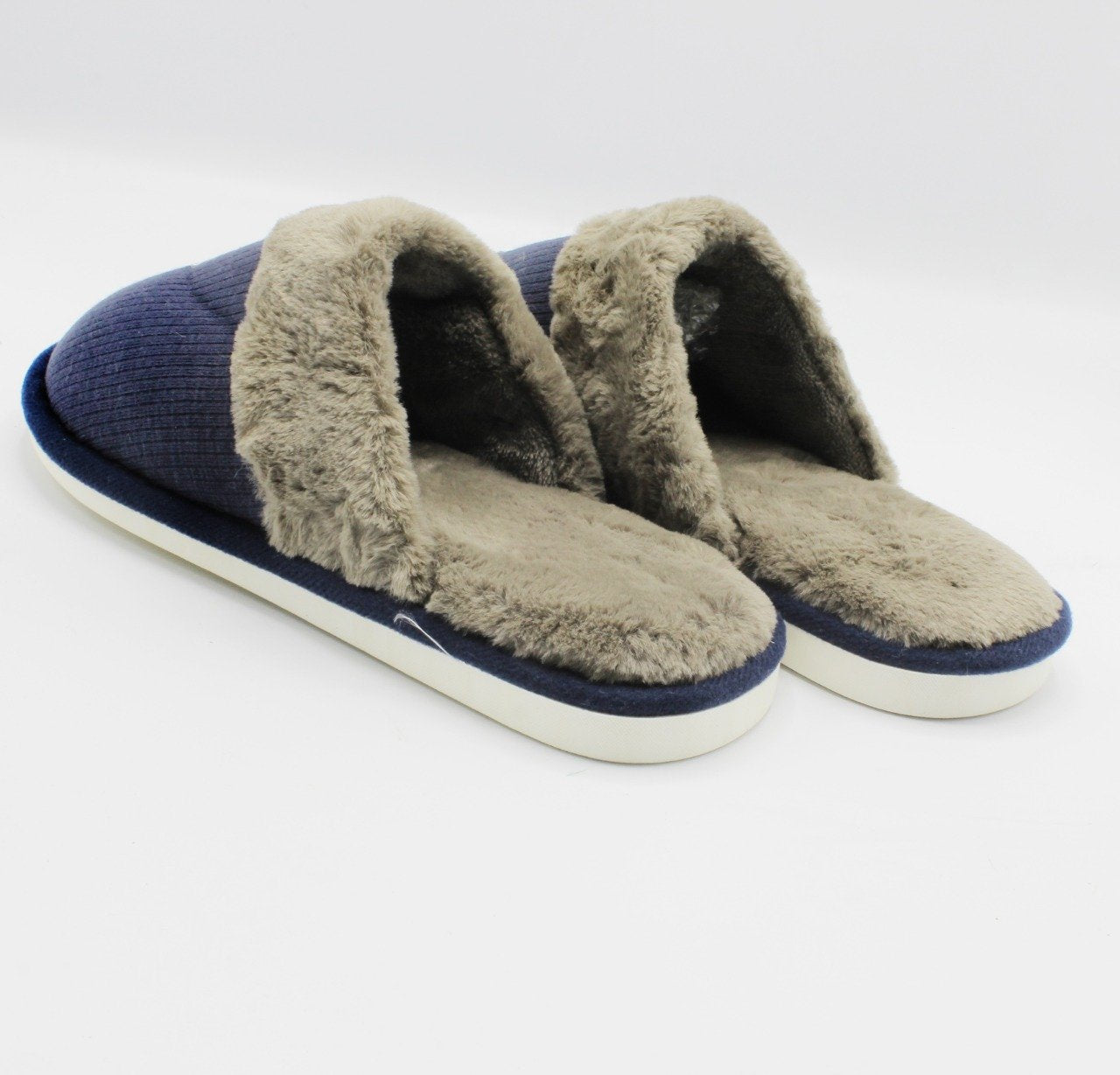 Warm Slippers - waseeh.com