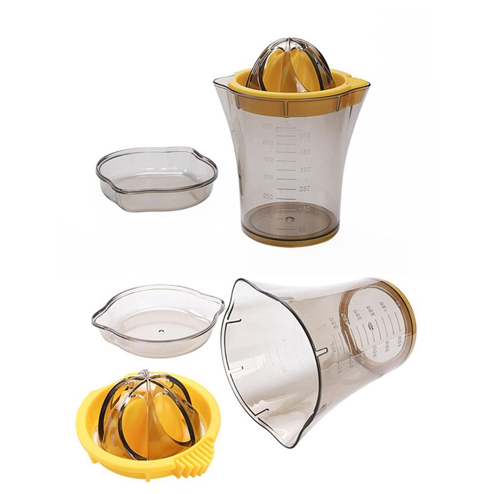 Manual Citrus Juicer with Built-in Measuring Cup - waseeh.com