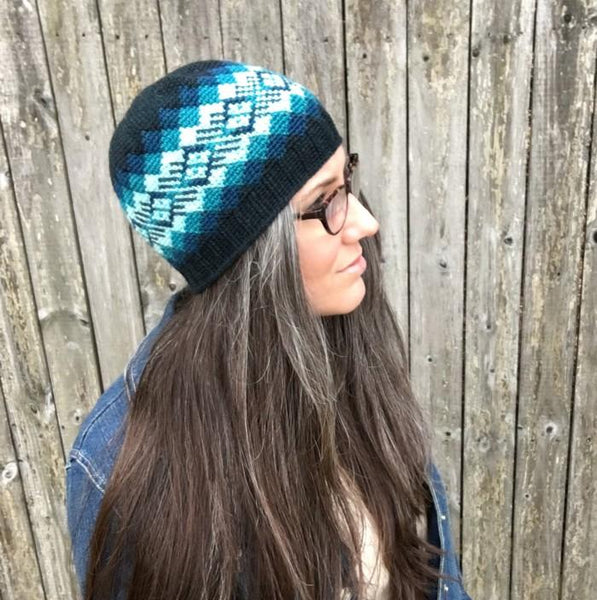 All Ages Waves of Plaid Beanie Crochet Pattern - KNITCRATE