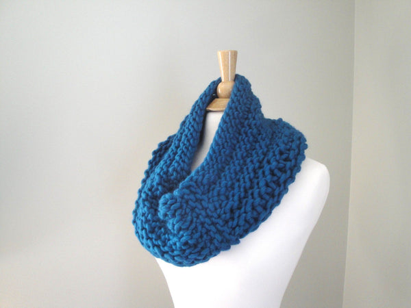 Bertha Cowl - KNITCRATE