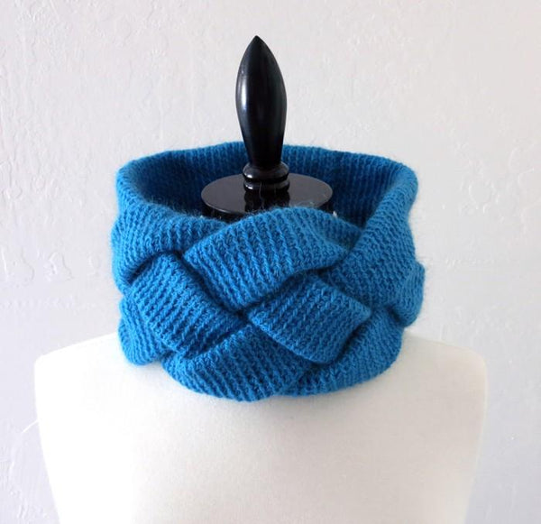 Braided Cowl Crochet Pattern - KNITCRATE