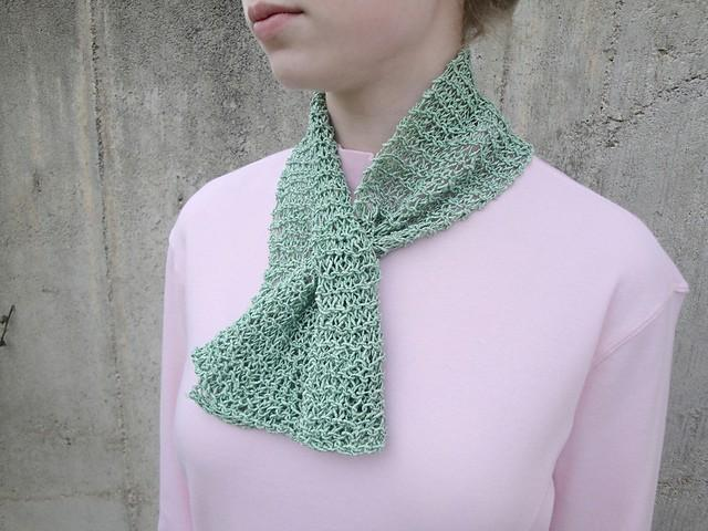 Captivating Scarflette - KNITCRATE