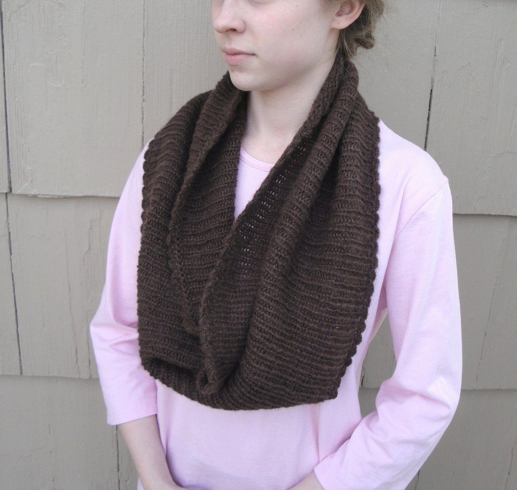 Easy Ribbed Cowl - KNITCRATE