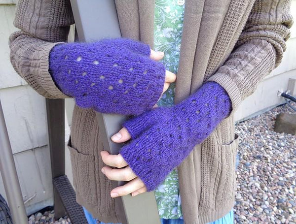 Eyelet Fingerless Gloves - KNITCRATE