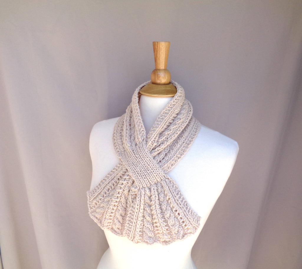 Keyhole Scarf with Cables