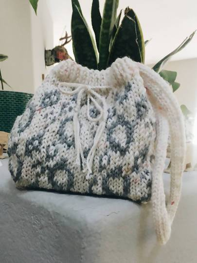 Snow Mountain Bucket Bag