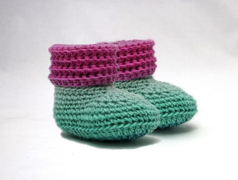 Sweet Baby Booties And Beanie Gift Set Crochet Pattern