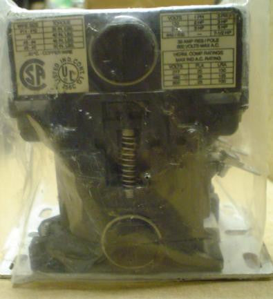 Telemecanique 200EB230EA6 Contactor 110-120 V 3PH 50/60HZ