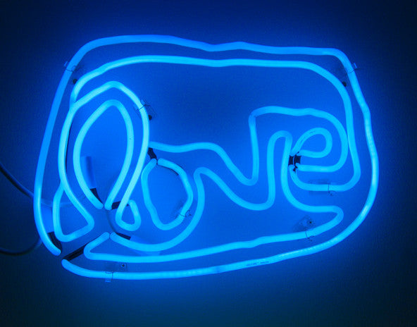Small LOVE neon (blue)