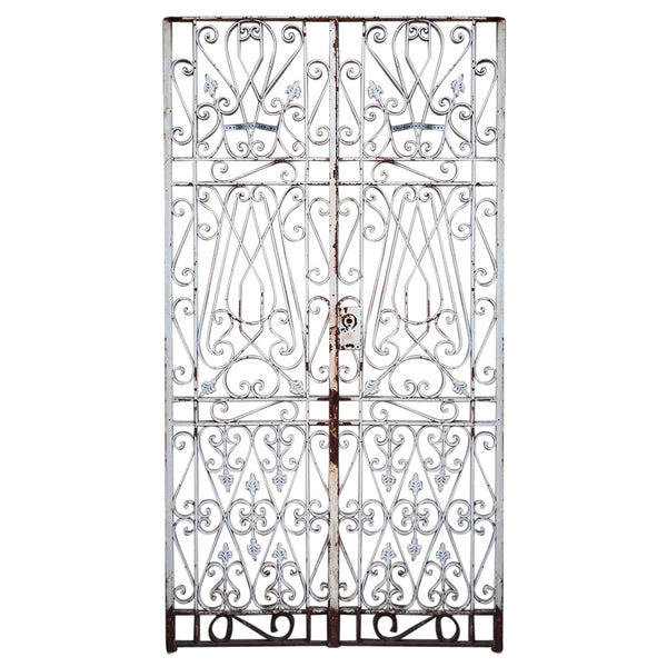 Incroyable French White Painted Wrought Iron Double Door Gate