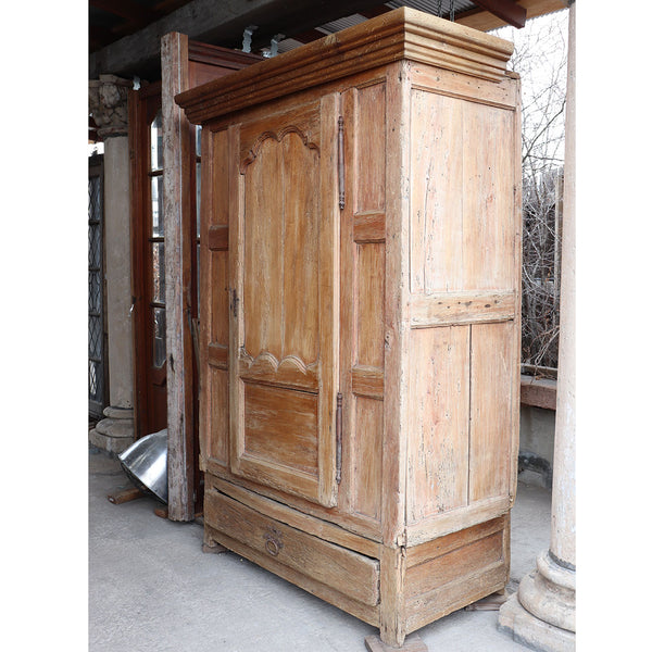 Large French Chateau de Theobon Louis XIV Pine Bonnetiere Cupboard