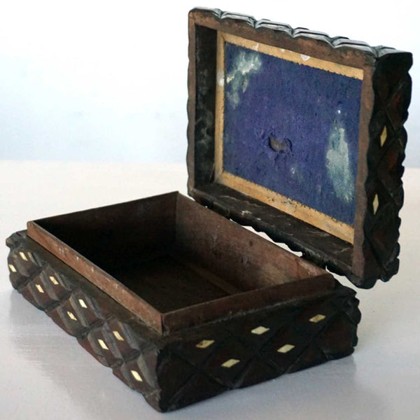 Anglo Indian Bone Inlaid Quilted Pattern Box