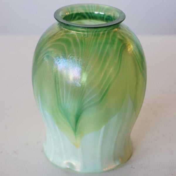 American Tiffany Studios Art Nouveau Glass Green Pulled Feather Tulip Lamp Shade