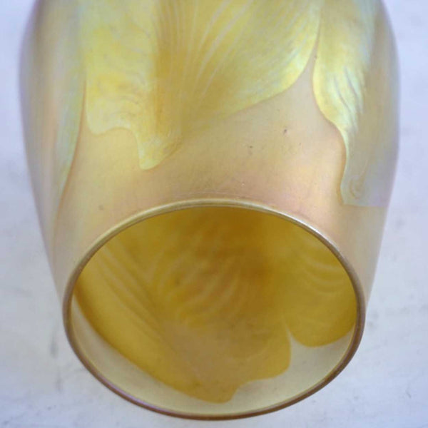 Large American Tiffany Studios Art Nouveau Favrile Glass Pulled Feather Lamp Shade