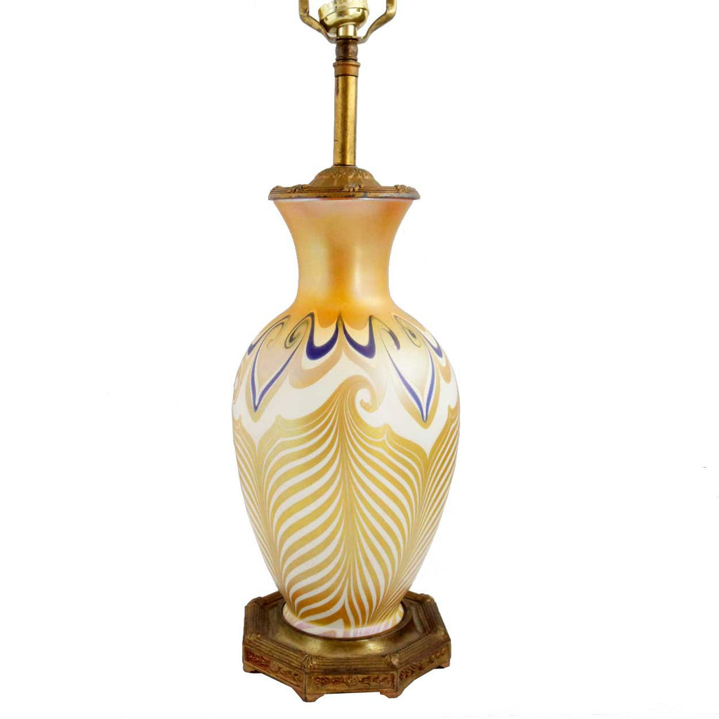 This american art nouveau table lamp is no longer available - American Quezal Art Nouveau Glass Pulled Feather Table Lamp