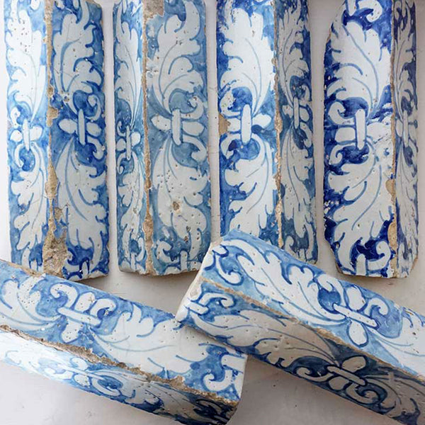 Set of Six Rare Portuguese Baroque Tin Glazed Pottery (Azulejos) Corner Tiles