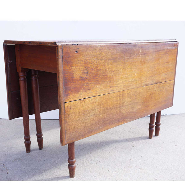 American Country Sheraton Walnut Drop-leaf Table
