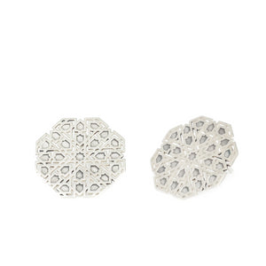 Large Mudejar Stud Earrings From the Andalusí collection by PLATÓNICA. Sterling silver. 925 silver. Author jewelry. Contemporary jewelry. Hand-made jewelry. Jewelry inspired by the Alhambra and the Alcázar of Seville. Jewelry workshop in the Albaicín, Andalusia, Granada, Spain. Unique jewels. Exclusive designs. Jewels made of Andalusia.