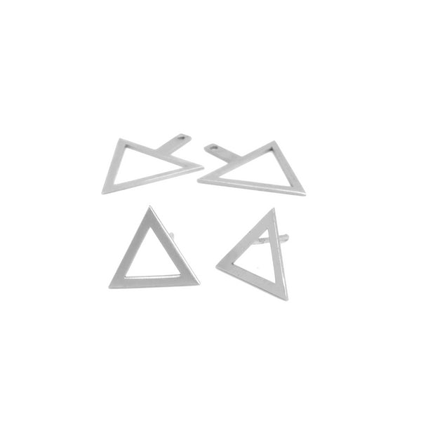 TRIS TRAS TRAS SILVER DRAWN TRIANGLE EARRINGS. PLATONICA. MINIMAL COLLECTION. CONTEMPORARY JEWELRY. MINIMALIST JEWELRY. AUTHOR JEWELRY. MADE IN GRANADA. MADE IN ANDALUSIA. MADE IN SPAIN. CRAFTS. HAND-MADE JEWELRY