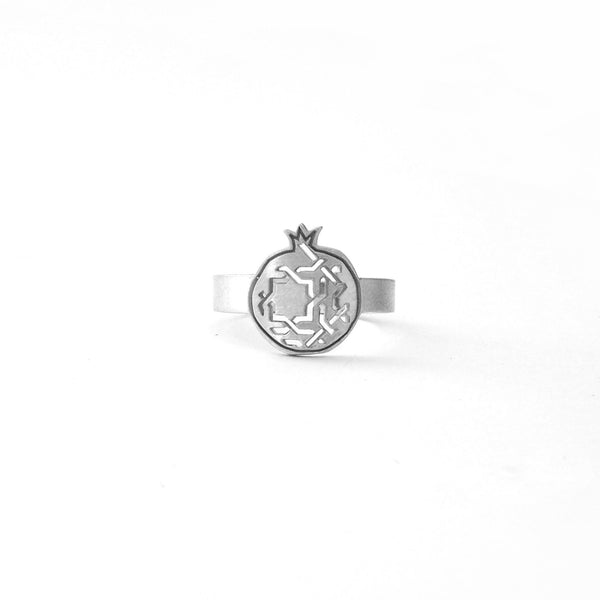 Fine ring pomegranate no. 3. 925 silver. Sterling silver. PLATÓNICA, contemporary signature jewelry. manufactured in our workshop in Albaicin, Granada, Spain. Handmade jewelry. Alhambra Jewels, Granada. Granada crafts. Jewels made of Andalusia.