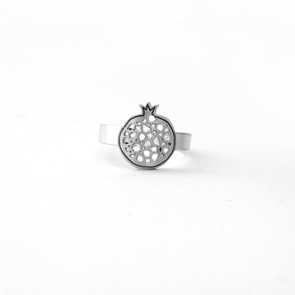Fine ring pomegranate no. 4. 925 silver. Sterling silver. PLATÓNICA, contemporary signature jewelry. manufactured in our workshop in Albaicin, Granada, Spain. Handmade jewelry. Alhambra Jewels, Granada. Granada crafts. Jewels made of Andalusia.