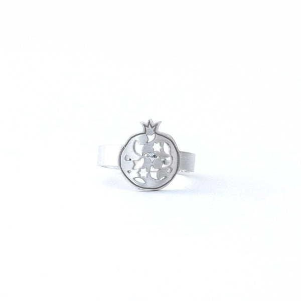 Fine ring pomegranate no.2. 925 silver. Sterling silver. PLATÓNICA, contemporary signature jewelry. manufactured in our workshop in Albaicin, Granada, Spain. Handmade jewelry. Alhambra Jewels, Granada. Granada crafts. Jewels made of Andalusia.