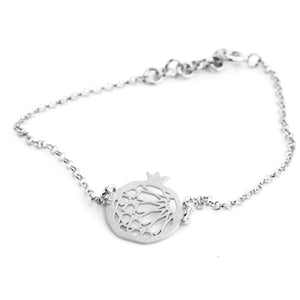 Granada bracelet no.1. 925 silver. Sterling silver. PLATÓNICA, contemporary signature jewelry. manufactured in our workshop in Albaicin, Granada, Spain. Handmade jewelry. Alhambra Jewels, Granada. Granada crafts. Jewels made from Andalusia