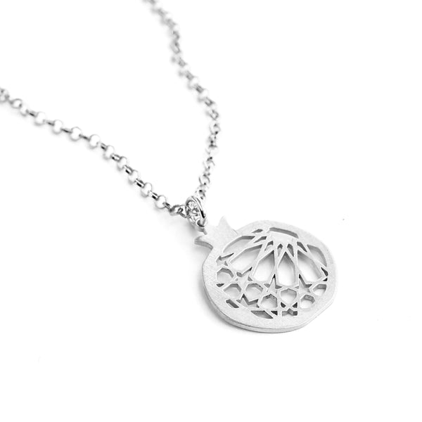 Granada pendant no. 1. 925 silver. Sterling silver. PLATÓNICA, contemporary signature jewelry. manufactured in our workshop in Albaicin, Granada, Spain. Handmade jewelry. Alhambra Jewels, Granada. Granada crafts. Jewels made from Andalusia.