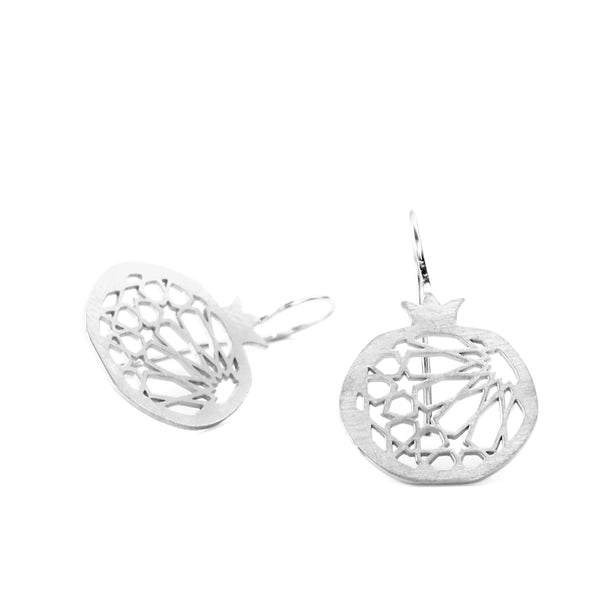 Pomegranate hook earring no.1. Silver 925. Sterling silver. PLATÓNICA, contemporary signature jewelry. manufactured in our workshop in Albaicin, Granada, Spain. Handmade jewelry. Alhambra Jewels, Granada. Granada crafts. Jewels made of Andalusia.