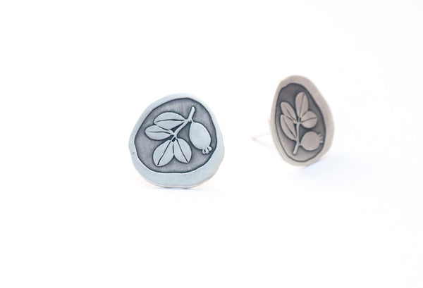 Sterling silver stud earrings. Earrings inspired by the botany of the Alhambra and Granada. Contemporary signature jewelry inspired by Andalusian tradition and culture. Granada crafts. Jewels made of Andalusia.