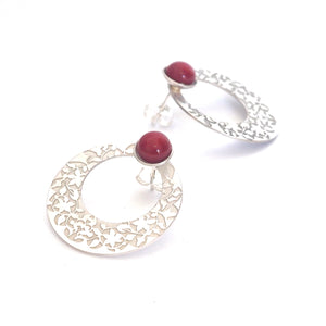 Red Nasrid Palaces detail earrings inspired by the mural decoration of the Alhambra, Granada. Signature jewelery based on the ataurique plasterwork of Andalusian architecture. Contemporary sterling silver and glass jewelry. Ethnic and sophisticated style. Made in Spain. Local crafts