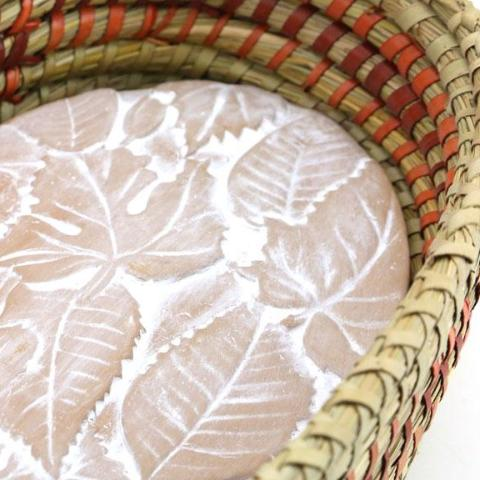Falling Leaves Bread Warmer Basket Set detail