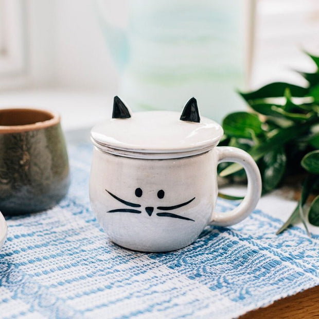 Kitty Cat Mug and Tea Ceramic Strainer lifestyle