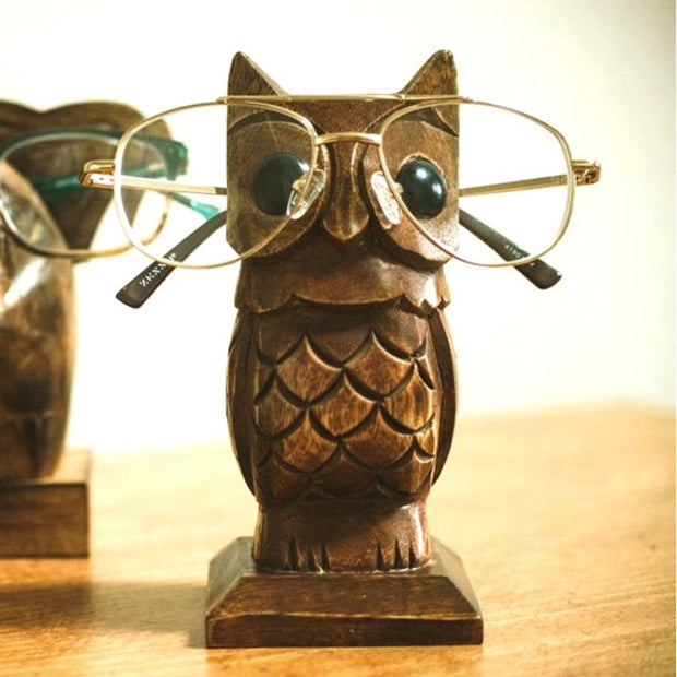 Hand-carved Owl Eyeglasses Holder lifestyle