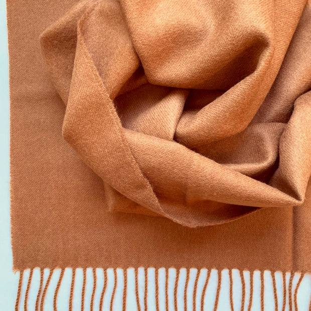 100% Baby Alpaca Fiber Throw - Solid Camel Color Detail
