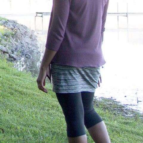 Organic Cotton and Spandex Mid-Calf Leggings MODEL BACK VIEW