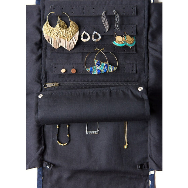 Wayfarer Jewelry Roll Travel Case - Teal interior