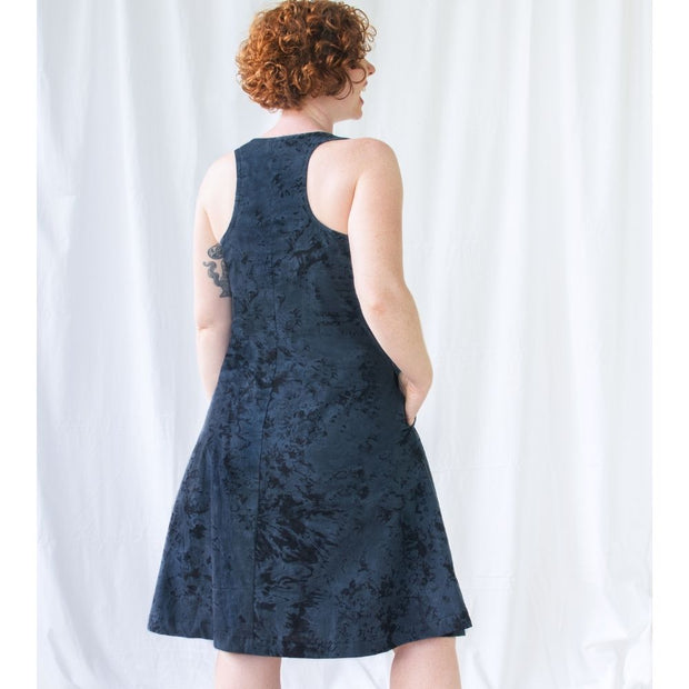 Global Mamas Fair Trade Oaklynn Dress - Marble Black model back