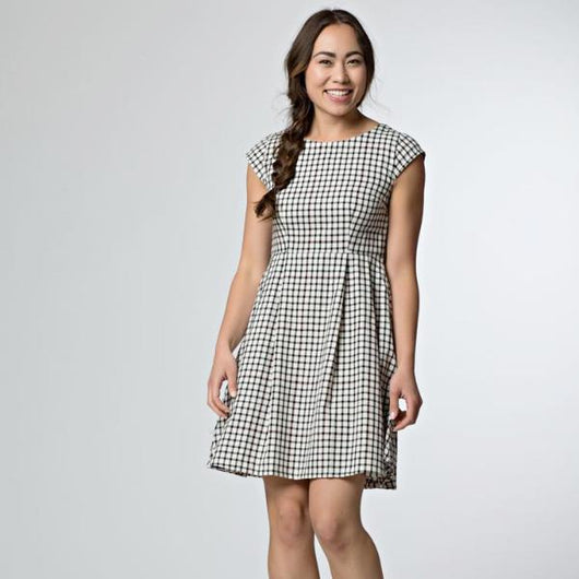 Mata Traders Wexford Dress Gingham-model