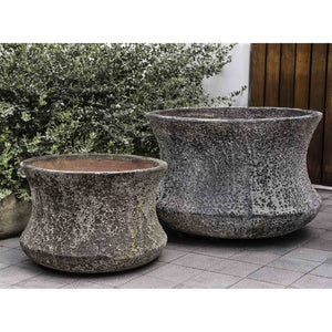 Thira Round Curved Planter in Distressed Brown – Set of 2