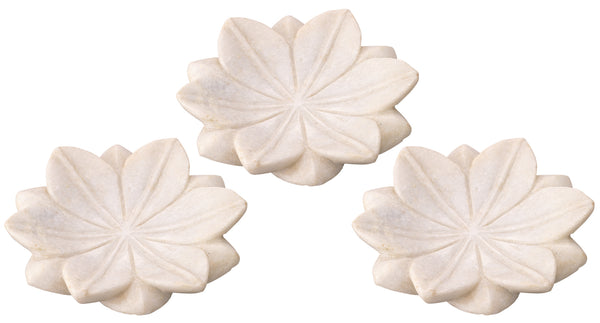 Small Lotus Plates in White Marble (Set of 3)