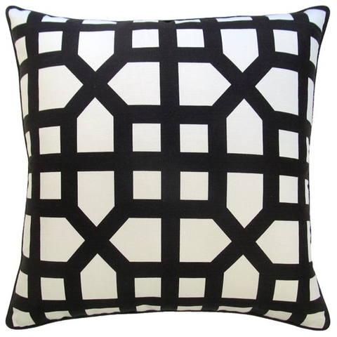 Trellis Pillow – Black & White