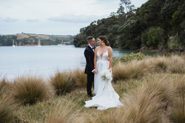 Brooke & Jono - True Love Under The Pohutakawa Trees