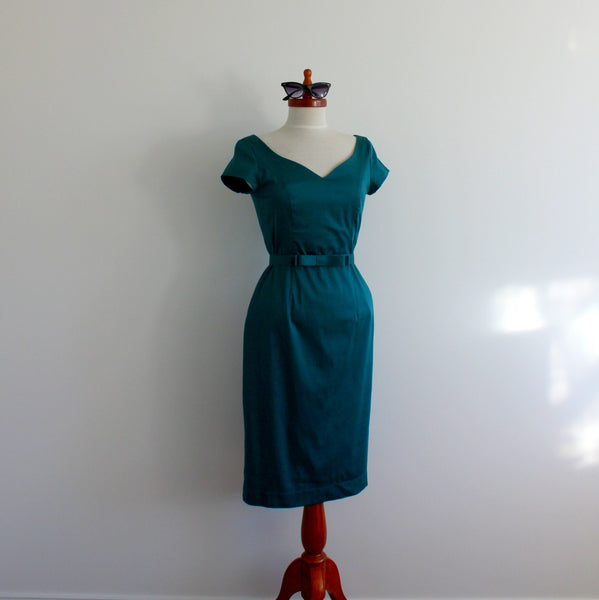 'Mrs Mulberry' 1950's style fitted dress