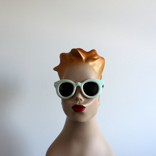 'Channelling Twiggy' vintage style sunglasses mint/cream